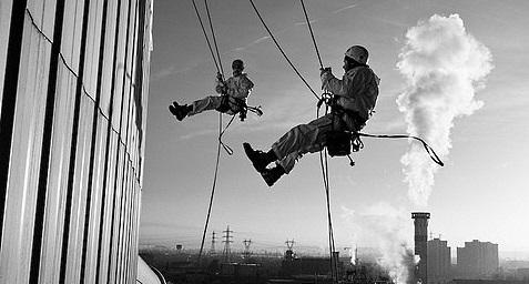 Какой город может обойтись без услуг промышленных альпинистов?